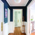 peintre couloir encadrements moulures